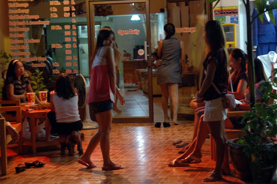 Chiang mai massage parlors