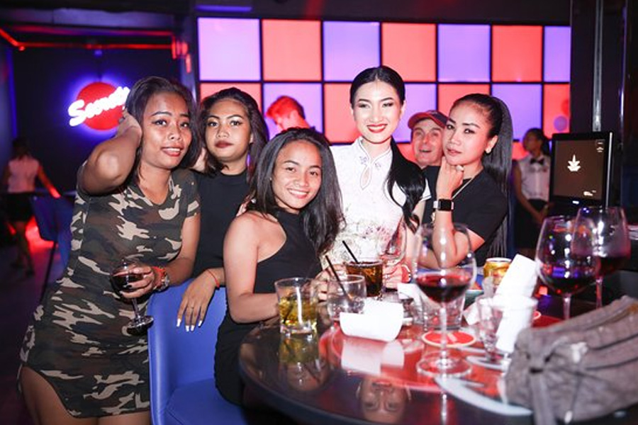 How to Meet Regular Life Girls in Phnom Penh