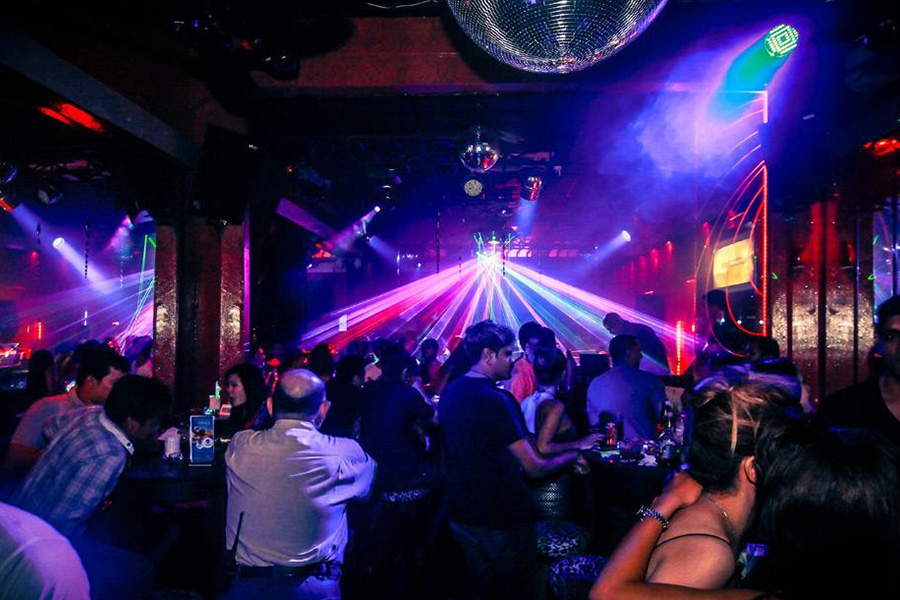 Pickup Bars and Nightclubs in phnom penh