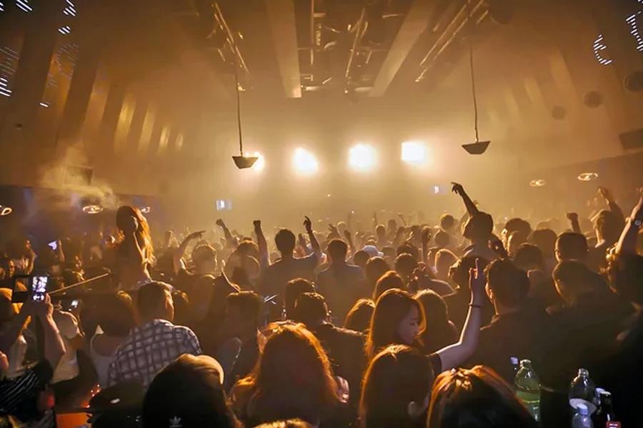 Nightclubs and pickup bars in kuala lumpur