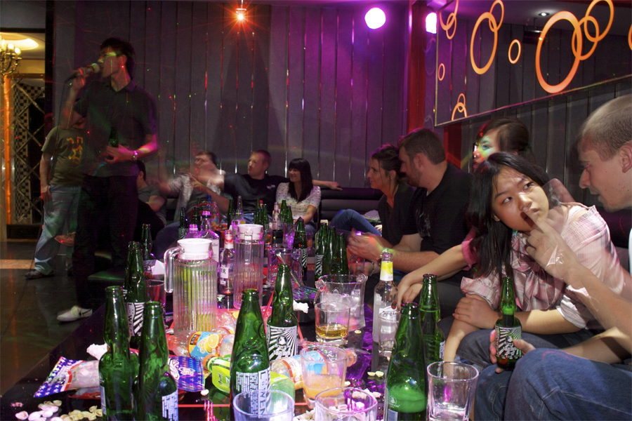 Hostess Bars and Adult KTV's in taiwan