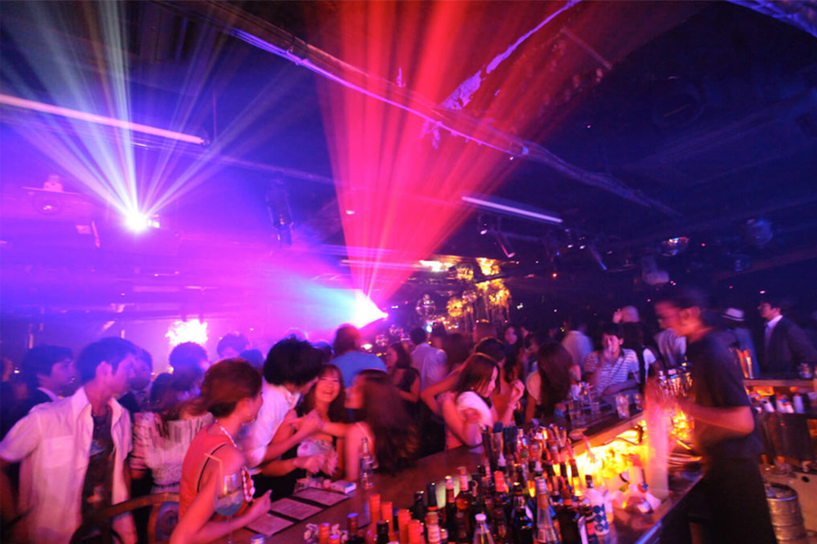 Nightclubs and Pickup Bars in Japan