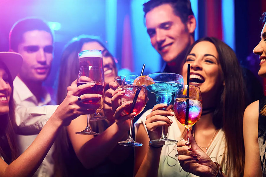 Nightclubs and Pickup Bars in Singapore